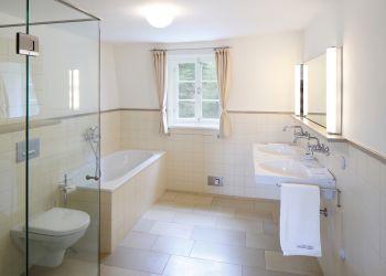 Großes Badezimmer (Englisches Landhaus)