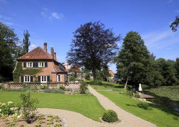 Blick auf das Englische Landhaus