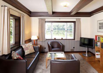 Wohn- und Fernsehzimmer (Englisches Landhaus)
